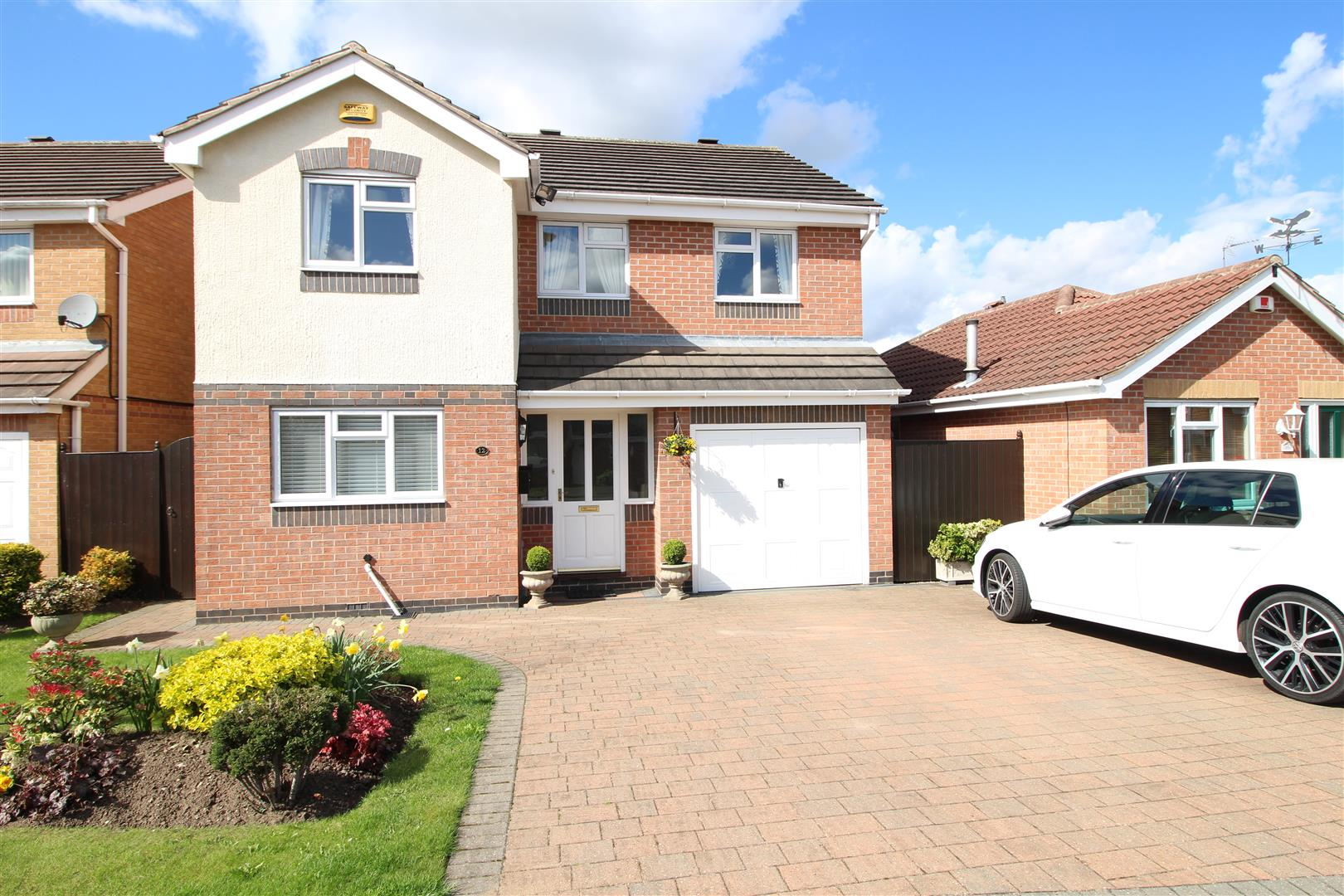 4 Bedrooms Detached House for sale in Allison Gardens, Chilwell, Nottingham